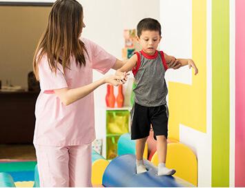 Campagne di raccolta fondi per la prevenzione e cura di bambini e adulti.